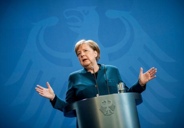 «Εμβολιαστείτε» η έκκληση της Μέρκελ – Μόλις στο 62% οι εμβολιασμένοι στη Γερμανία