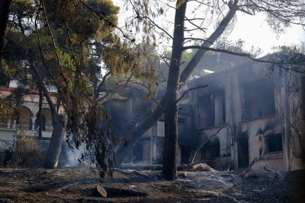Φωτιά στη Βαρυμπόμπη – Εφιαλτική πρόγνωση Καλλιάνου – «Δύσκολη μέρα αύριο για την Αττική, έρχονται 8 μποφόρ»