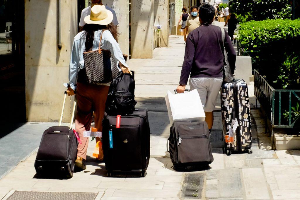 Δεν ακυρώνουν τις διακοπές τους στην Ελλάδα οι Γερμανοί παρά τις φωτιές