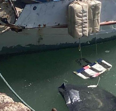 Ηράκλειο: Ο δυνατός βοριάς «κατέβασε» σκουπίδια στον Κούλε