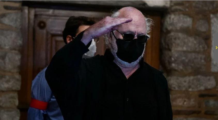 Μίκης Θεοδωράκης: Γιατί τον χαιρέτησε στρατιωτικά ο Διονύσης Σαββόπουλος