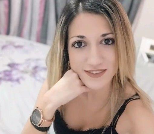 Γυναικοκτονία στη Ρόδο – Θρήνος, θλίψη και οργή στην κηδεία της 32χρονης Ντόρας