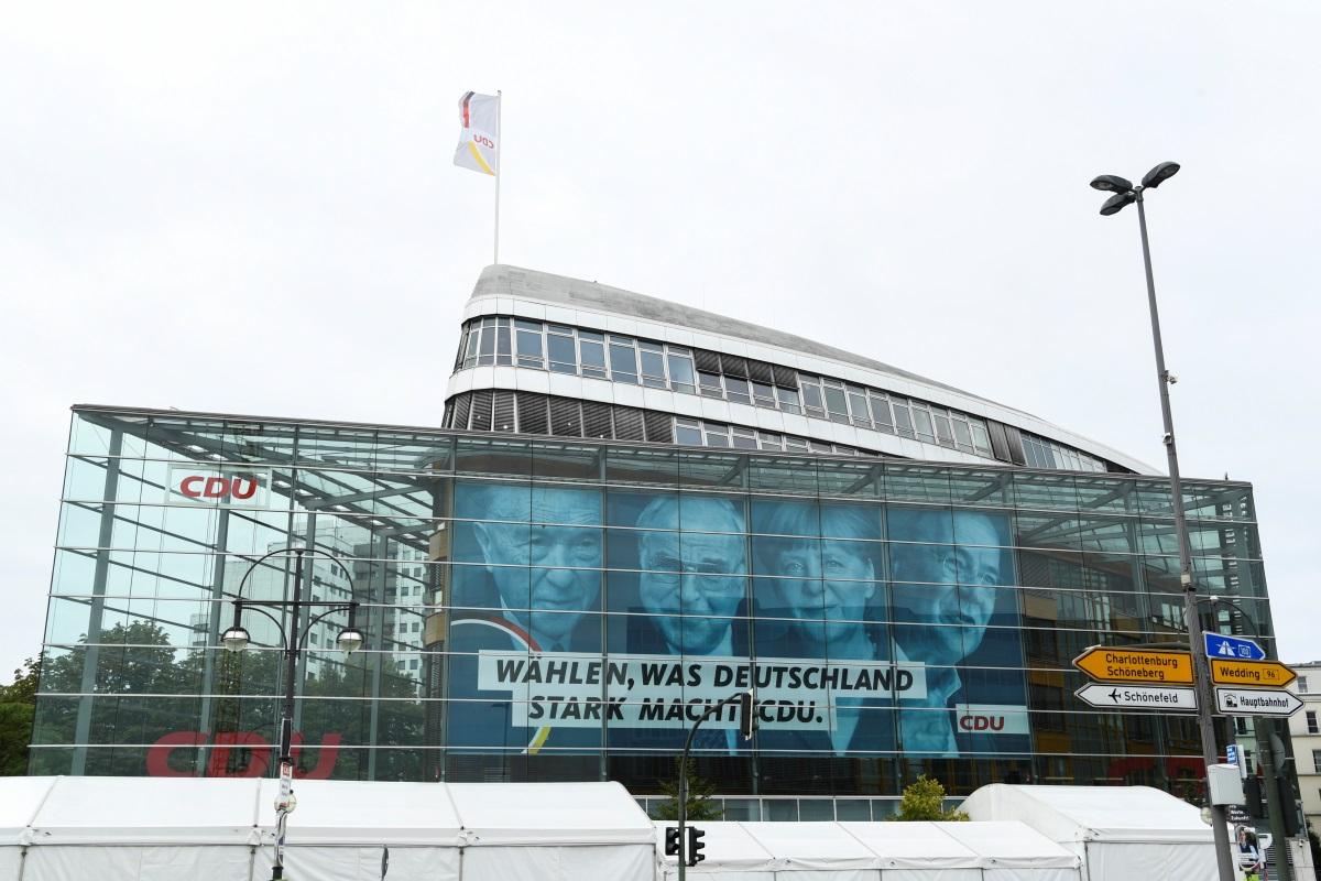 Γερμανία – εκλογές: «Ροκανίζει» τη διαφορά η Χριστιανική Ένωση – Μόλις 3% μπροστά το SPD