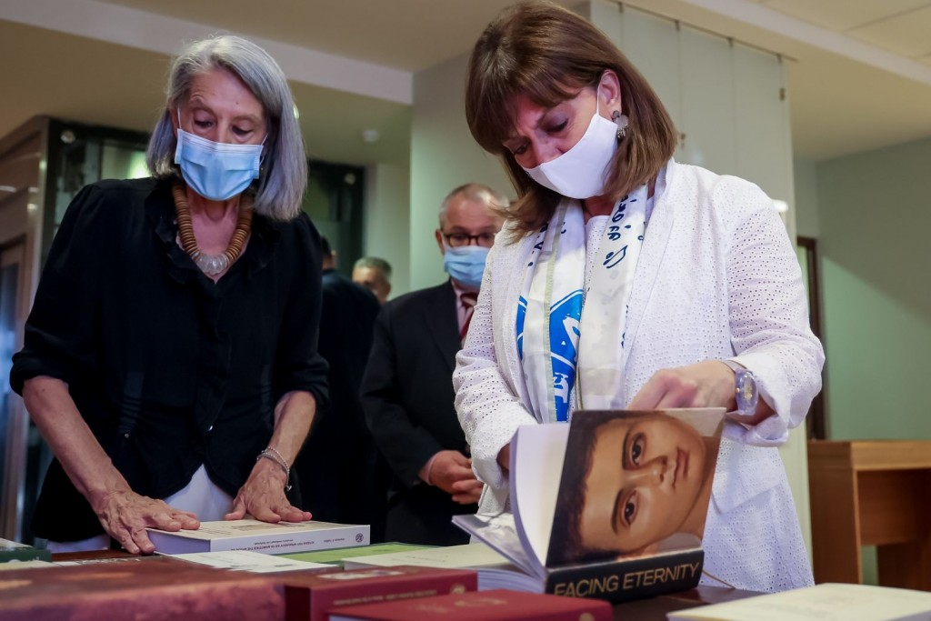 Σακελλαροπούλου – Στη Βιάννο για τις εκδηλώσεις για το Ολοκαύτωμα – Θα ανακηρυχθεί επίτιμη δημότης