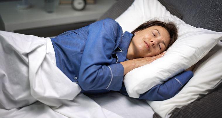 Μεσημεριανός ύπνος: Τα οφέλη ανάλογα με τη διάρκειά του (εικόνες)
