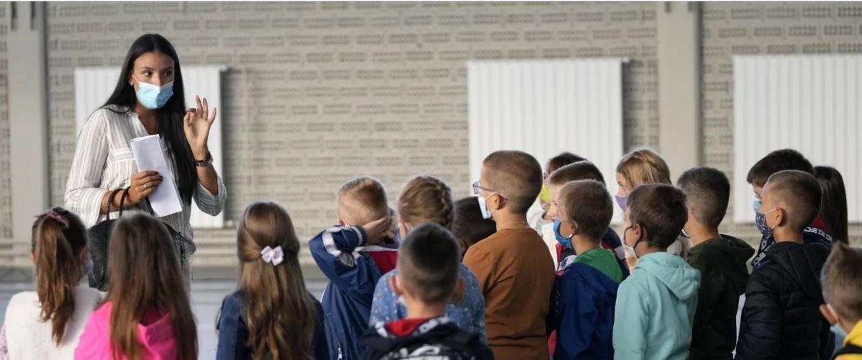 Πρώτη μέρα στο σχολείο με νέα μέτρα – Τι ισχύει για ανεμβολίαστους και εργαζόμενους
