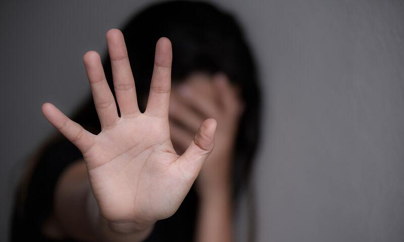 Θεσσαλονίκη – Για κακούργημα ο 23χρονος που εξανάγκαζε 15χρονη σε ερωτική επαφή