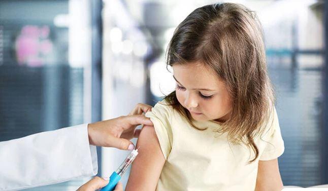Εξαδάκτυλος: Δωρεάν ο εμβολιασμός των παιδιών στους παιδιάτρους
