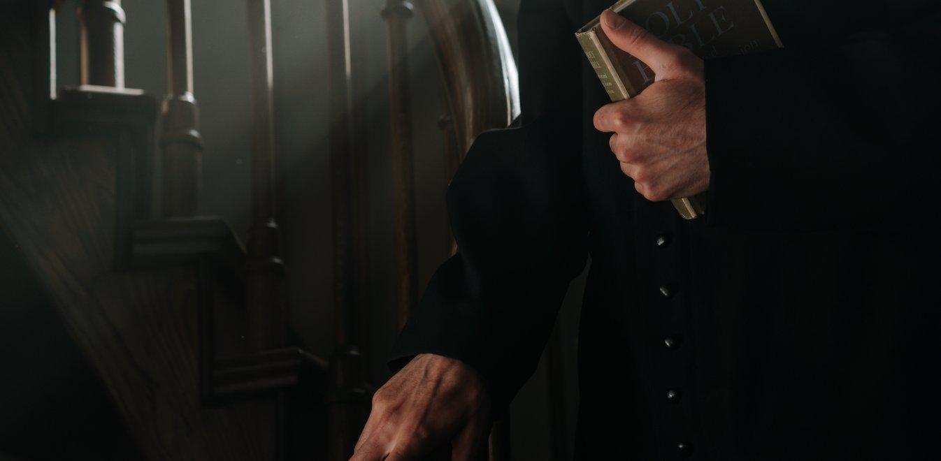 Ιταλία: Ιερέας έκλεψε 117.000 δολάρια από την εκκλησία για πάρτι οργίων με ναρκωτικά