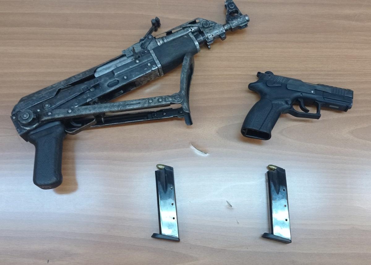 Συνελήφθη 22χρονος στο Παγκράτι για διακίνηση ναρκωτικών – Είχε και καλάσνικοφ