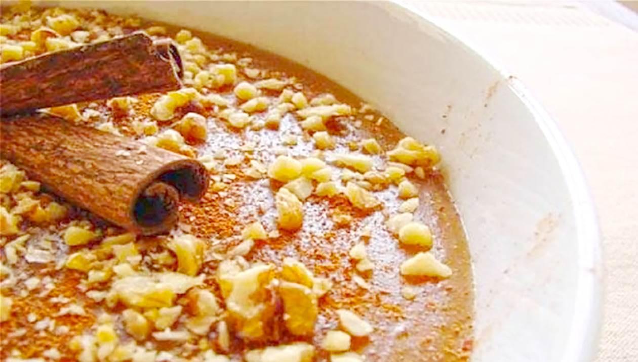Μουσταλευριά: Κλασική συνταγή με βελούδινη υφή