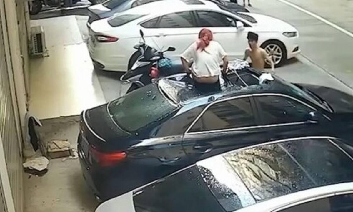 Απίστευτο: Έπεσαν από το μπαλκόνι κατά τη διάρκεια της ερωτικής πράξης