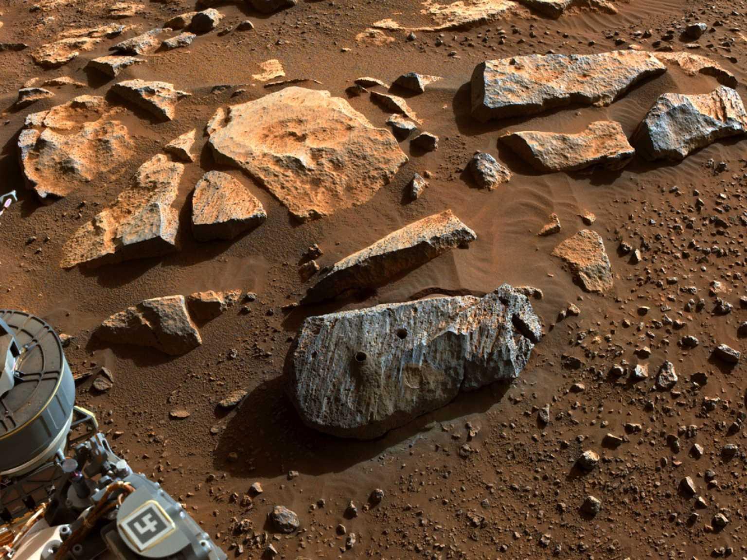 Πλανήτης Άρης: Δυο πέτρινα δείγματα φέρουν ενδείξεις μακροχρόνιας έκθεσης σε νερό