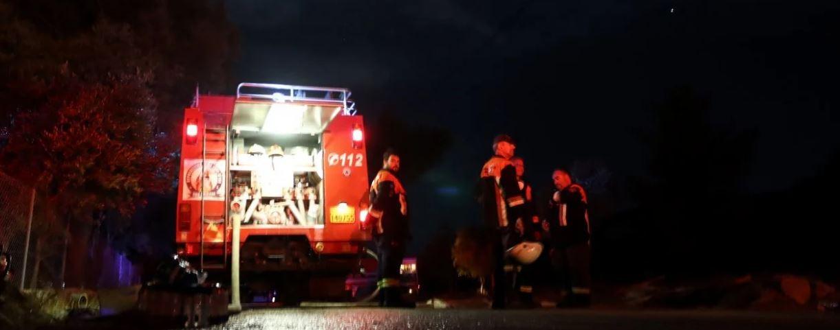 Φωτιά στη Νέα Μάκρη: Ολονύχτια μάχη με τις φλόγες – Ισχυρές ενδείξεις εμπρησμού