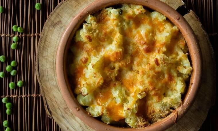 Αρακάς φούρνου με πουρέ πατάτας από τον Άκη Πετρετζίκη