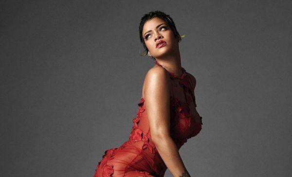 Rihanna – Ποζάρει γυμνή και κόβει την ανάσα – Πώς έκρυψε τα επίμαχα σημεία;