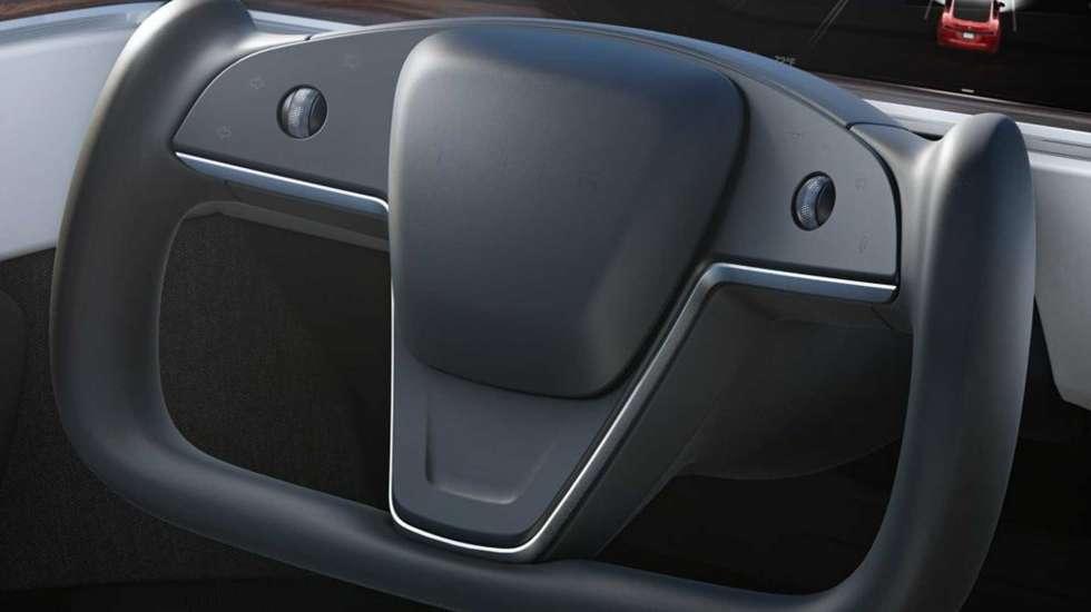 Πρωτοποριακό αλλά μάλλον επικίνδυνο το… «μισό» τιμόνι του Tesla Model S!