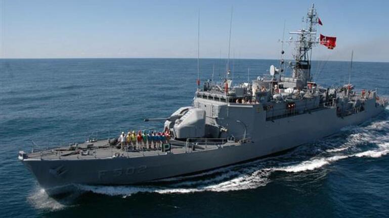 Τουρκικό πολεμικό παρενόχλησε ερευνητικό πλοίο ανοιχτά της Σητείας