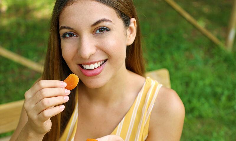 Θέλετε γλυκό; 6 αποξηραμένα φρούτα με πολλά αντιοξειδωτικά και λίγες θερμίδες (εικόνες)