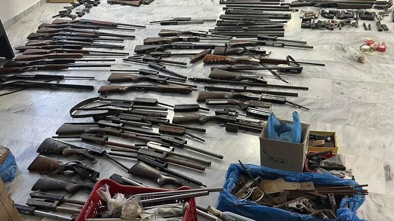 """Τρία παράνομα εργαστήρια όπλων """"ξετρύπωσε"""" η ΕΛ.ΑΣ.!"""
