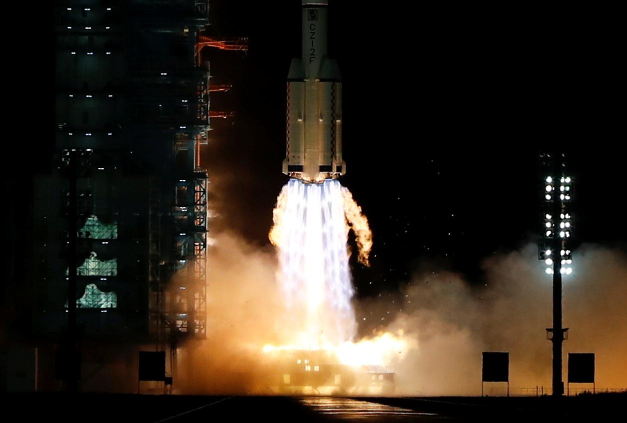 Κίνα: Εκτοξεύτηκε η δεύτερη επανδρωμένη αποστολή που θα κατασκευάσει τον διαστημικό σταθμό Tiangong