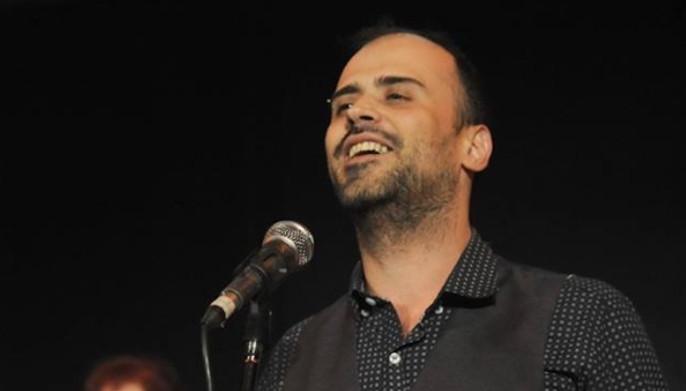 Πέθανε ο τραγουδιστής Δημήτρης Σαμαρτζής σε ηλικία 38 ετών