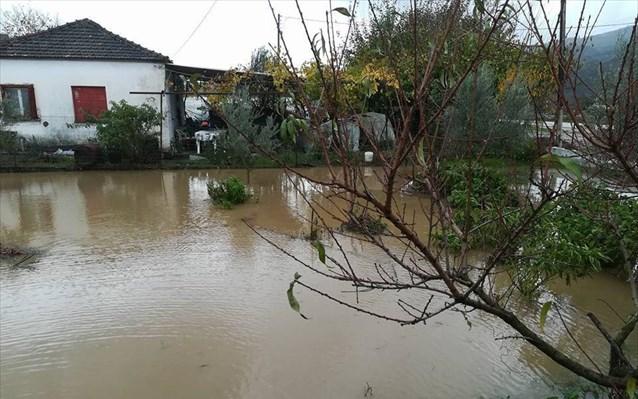 Αγρίνιο: Εκκενώθηκε προληπτικά οικισμός λόγω ανόδου της στάθμης του νερού σε λίμνη