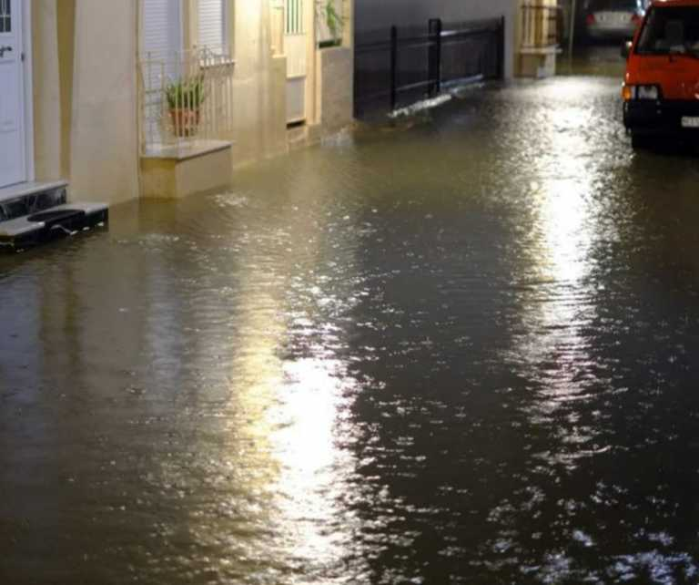 Καιρός- Αιτωλοακαρνανία: Πλημμύρες και κατολισθήσεις – «Πνίγηκε» το Αιτωλικό από τη λιμνοθάλασσα