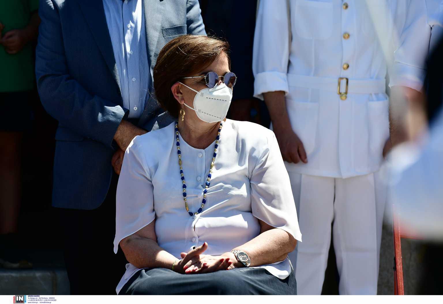 Ντόρα Μπακογιάννη: «Τσουνάμι» ευχών για να κερδίσει την μάχη με τον καρκίνο
