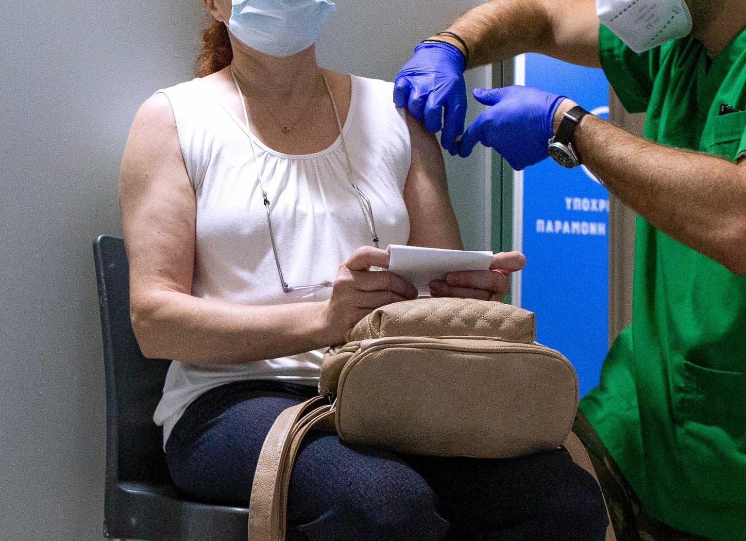 Κορονοϊός – Ευάγγελος Μανωλόπουλος: «Χάθηκε ο στόχος για τείχος ανοσίας μέσω εμβολιασμού»