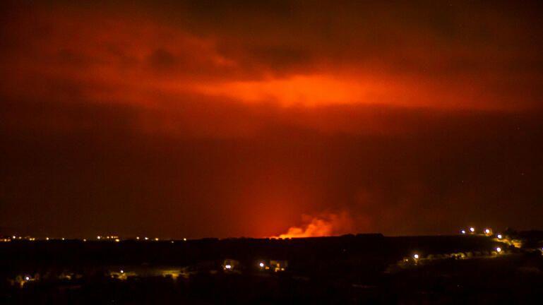 Υπό μερικό έλεγχο τέθηκε η φωτιά που έθεσε σε συναγερμό την Πυροσβεστική