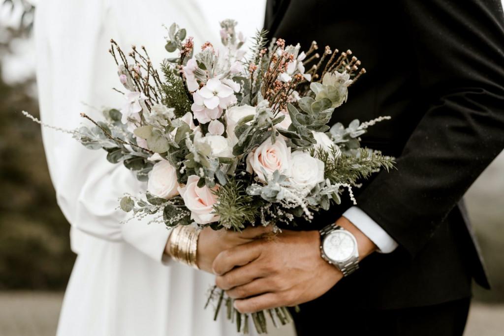 Νάουσα – Τους «έκαψε» ο γάμος – Ένα ολόκληρο χωριό νοσεί με κοροναϊό