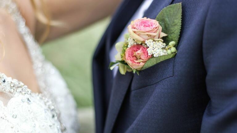 «Χαμός» σε γαμήλιο γλέντι – Ξύλο σε αστυνομικούς, τραυματισμοί και συλλήψεις