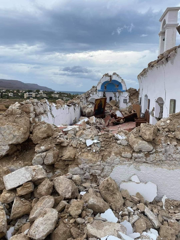 Κατέρρευσε από τον ισχυρό σεισμό, το εκκλησάκι του Αγίου Νικολάου στον Ξερόκαμπο!