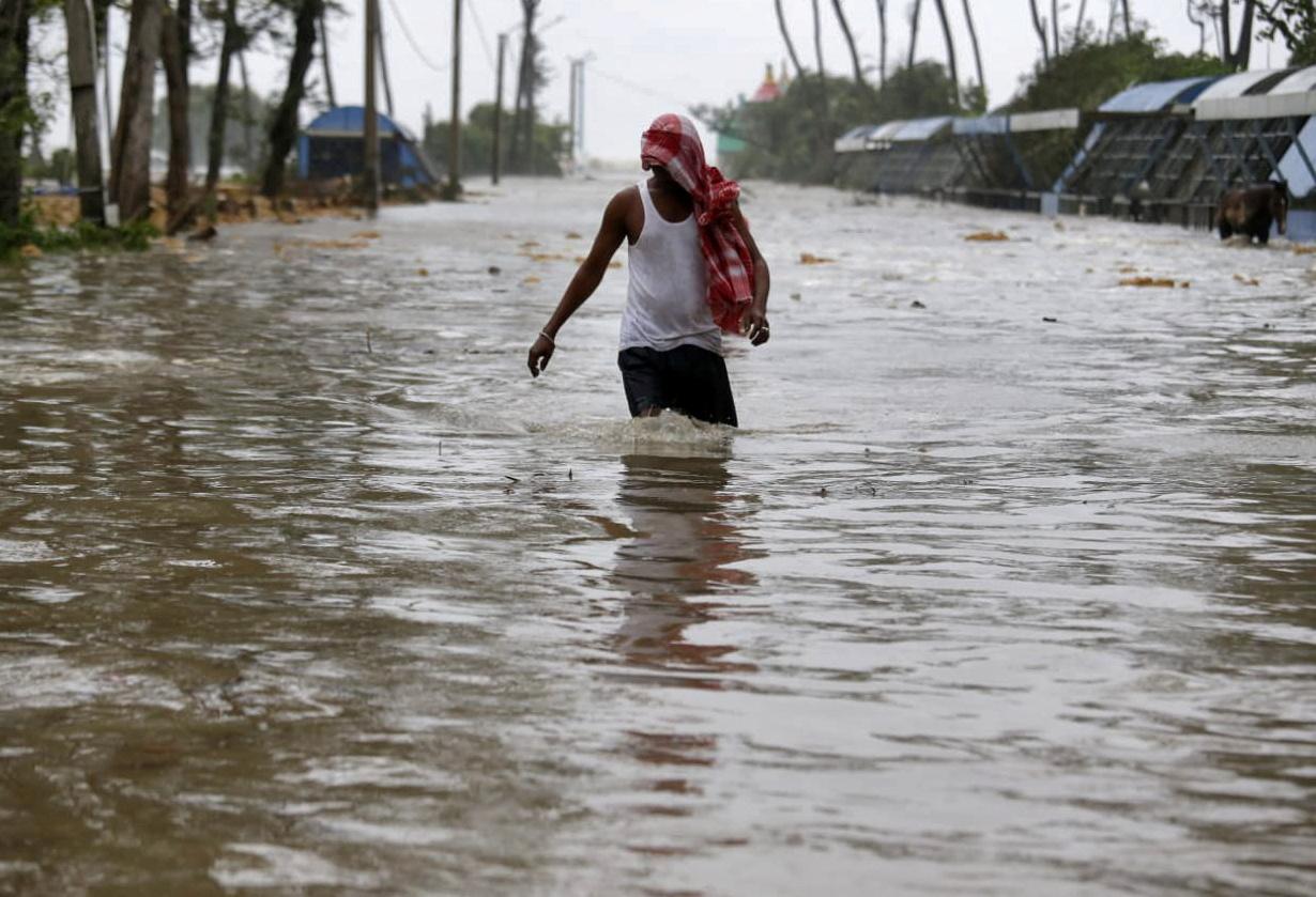 Ινδία: 25 νεκροί και τεράστιες καταστροφές από τις καταρρακτώδεις βροχές στην Κεράλα
