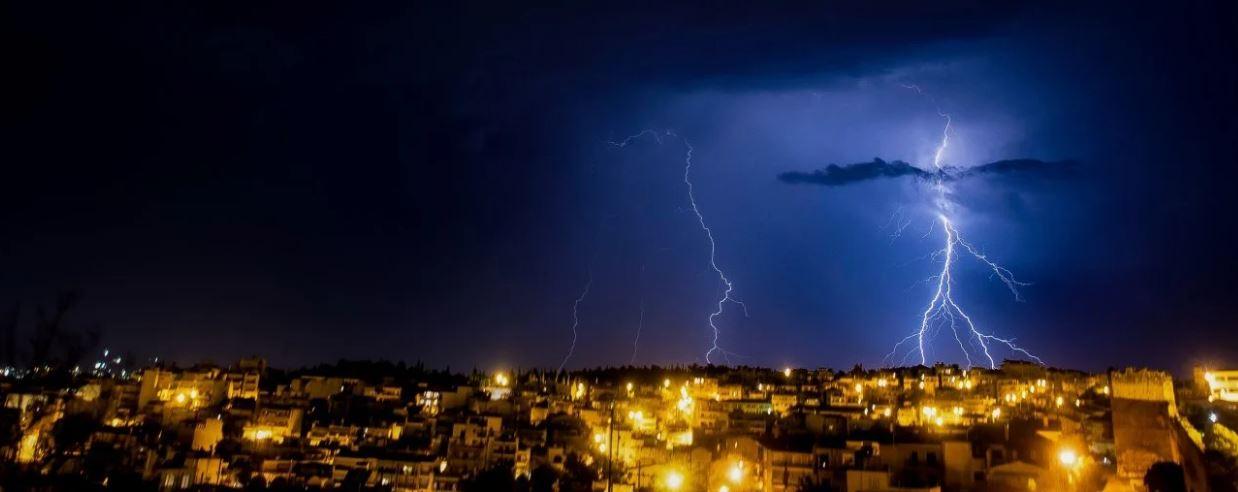 Καιρός live χάρτης – Κακοκαιρία Μπάλλος: Ισχυρές βροχές, καταιγίδες και χιονοπτώσεις στα ορεινά