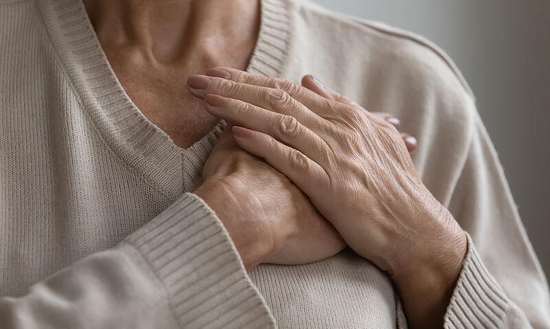 Παγκόσμια Ημέρα Εμμηνόπαυσης: Οι 5 παράγοντες που αυξάνουν τον κίνδυνο καρδιαγγειακών (εικόνες)