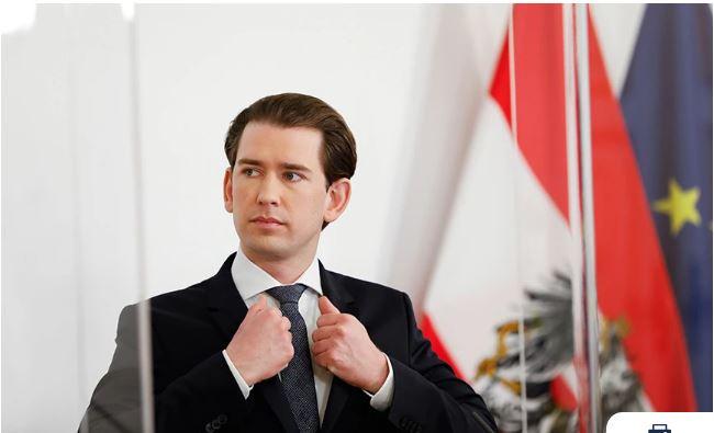 Παραιτήθηκε ο Σεμπάστιαν Κουρτς από την καγκελαρία της Αυστρίας