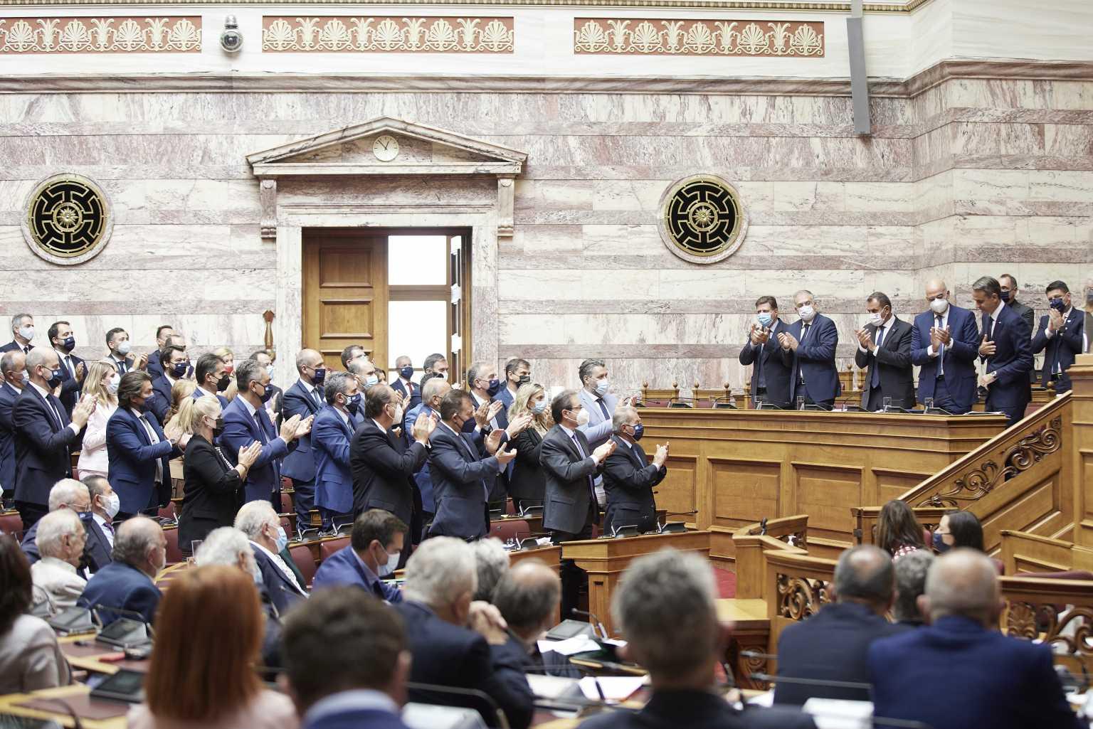 Βουλή: Υπερψηφίστηκε η αμυντική συμφωνία Ελλάδας – Γαλλίας
