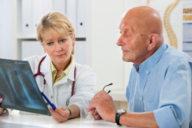 Η οστεοπόρωση μπορεί να προληφθεί και να αντιμετωπιστεί