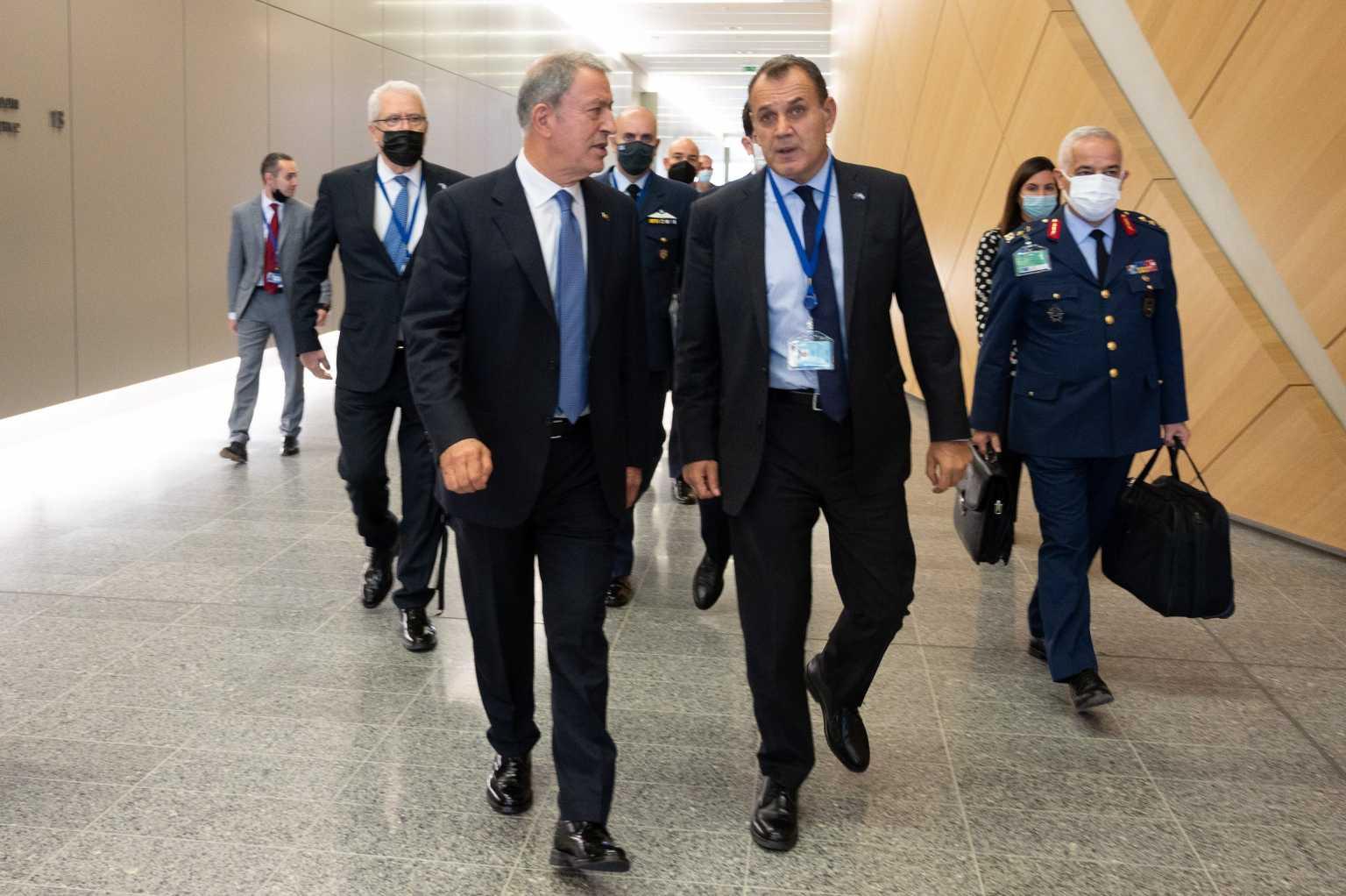 Χουλουσί Ακάρ: Εξοπλιστική μανία της Ελλάδας – Αν δεν είναι εναντίον της Τουρκίας για ποιον είναι;