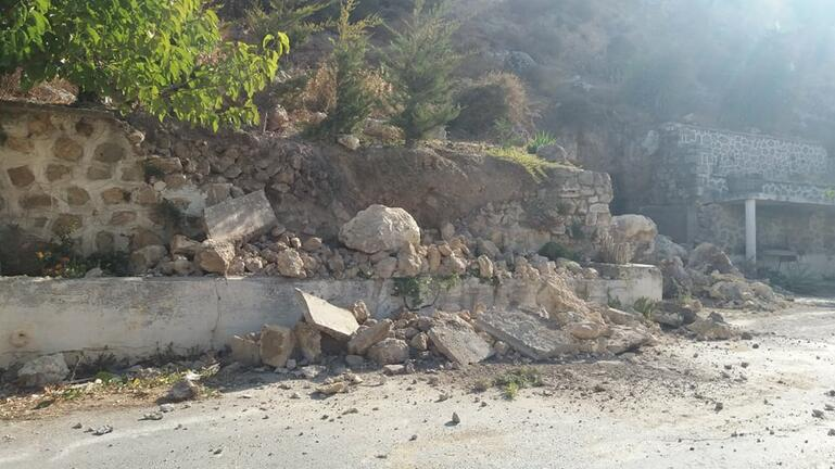 Κραυγή απόγνωσης για τα βράχια που πέφτουν με κάθε σεισμική δόνηση!