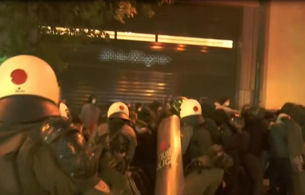 Πέραμα: Επεισόδια σε συγκέντρωση στο κέντρο της Αθήνας