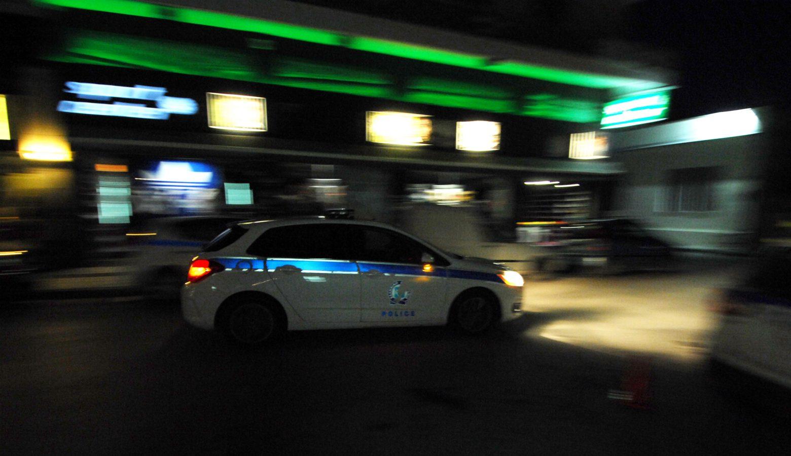 Ασπρόπυργος – Βρήκαν βρέφος παρατημένο στο δρόμο και τρία παιδιά κλειδωμένα σε πορτ μπαγκάζ