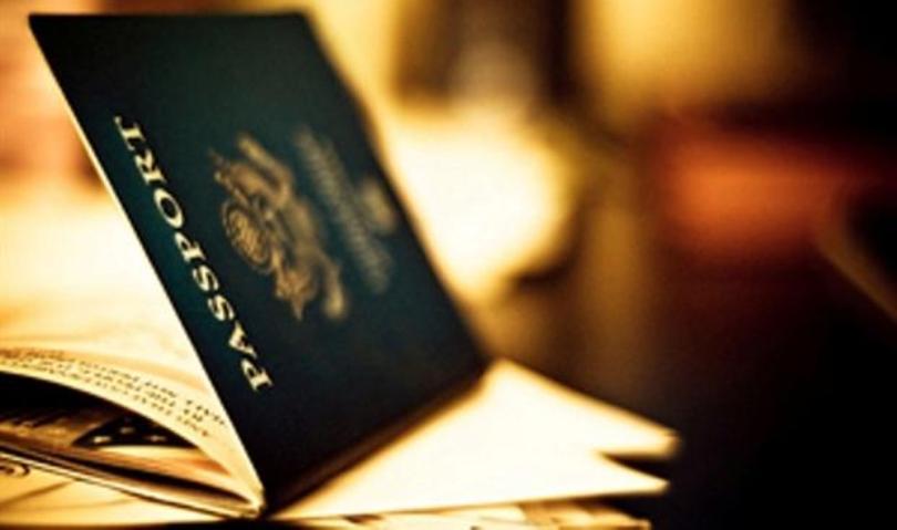 Εξαρθρώθηκε κύκλωμα που κατασκεύαζε πλαστά ταξιδιωτικά και διοικητικά έγγραφα