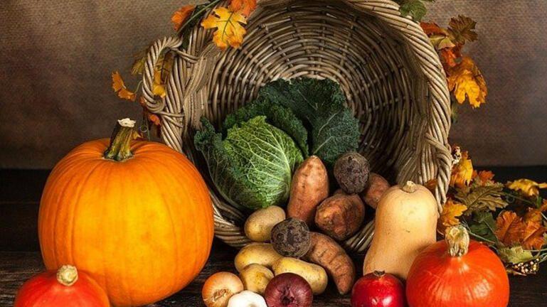 Το πορτοκαλί λαχανικό που ρυθμίζει την πίεση και το σάκχαρο