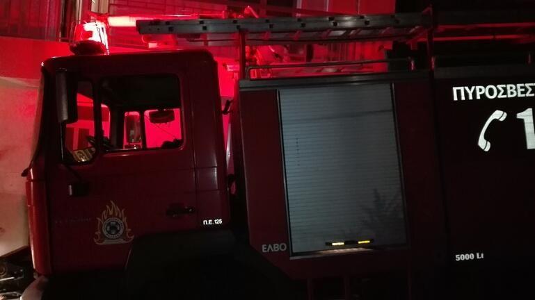 Κυψέλη: Φωτιά σε σταθμευμένο αυτοκίνητο τα ξημερώματα