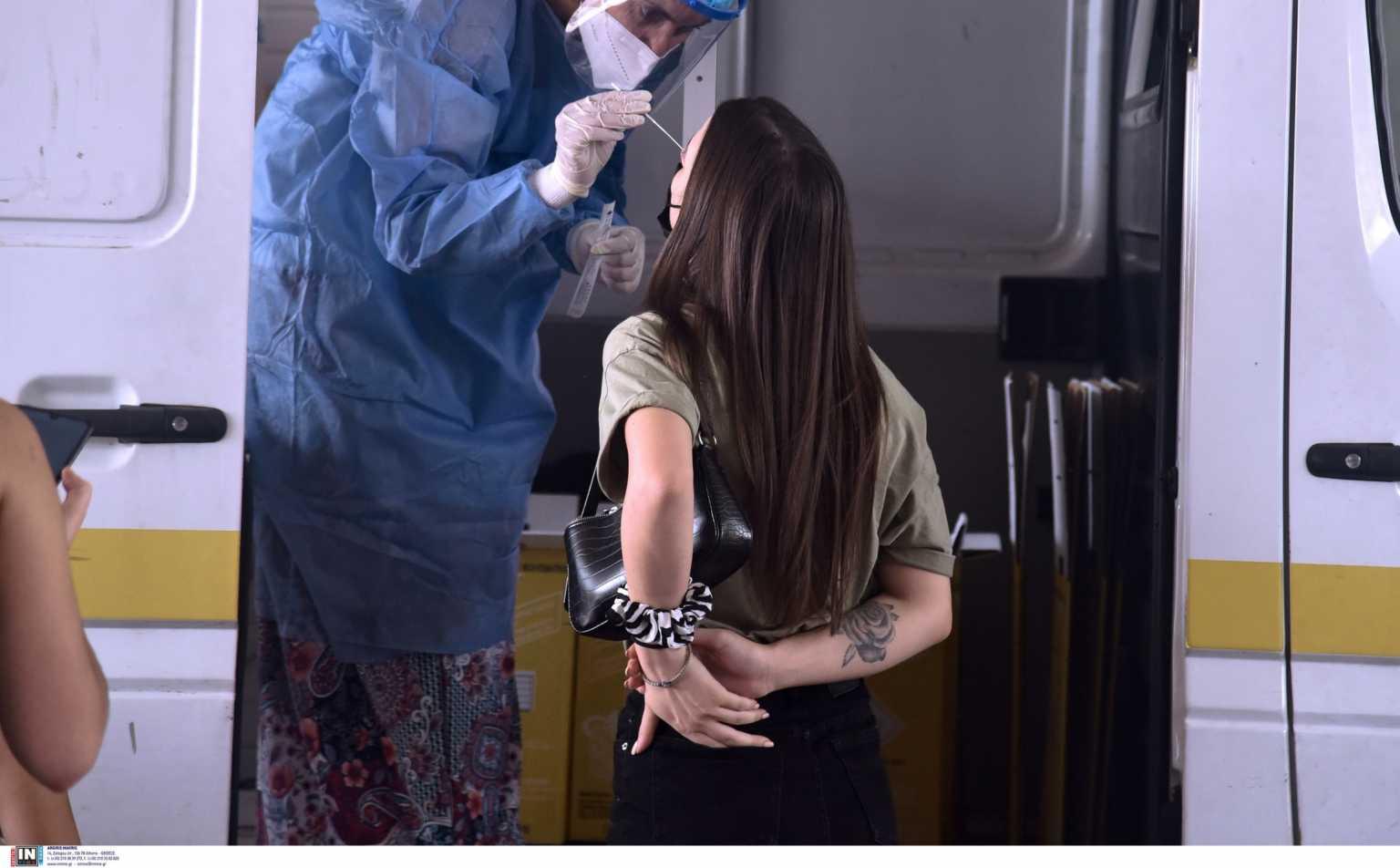 Κορονοϊός – Υποχρεωτικά rapid tests: Έτσι θα γίνονται για τους ανεμβολίαστους στον ιδιωτικό τομέα