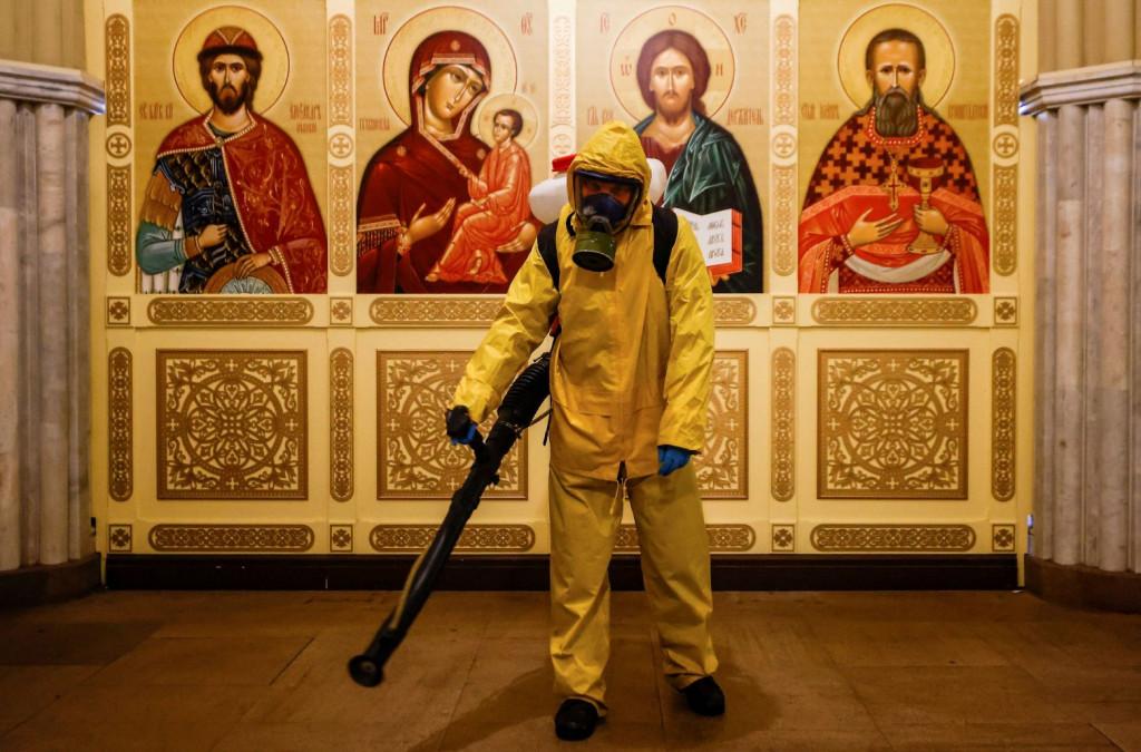 Κοροναϊός – Οι ανεμβολίαστοι ηλικιωμένοι στη Μόσχα θα κλειστούν στο σπίτι για 4 μήνες