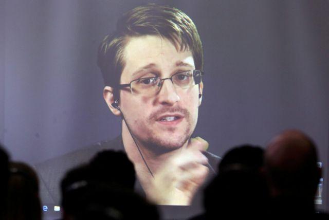 Σνόουντεν για Facebook – Ο Ζάκερμπεργκ παριστάνει το θύμα, μην τον πιστεύετε